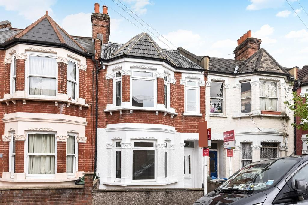 3 Bedrooms Flat for sale in Fallsbrook Road, Streatham