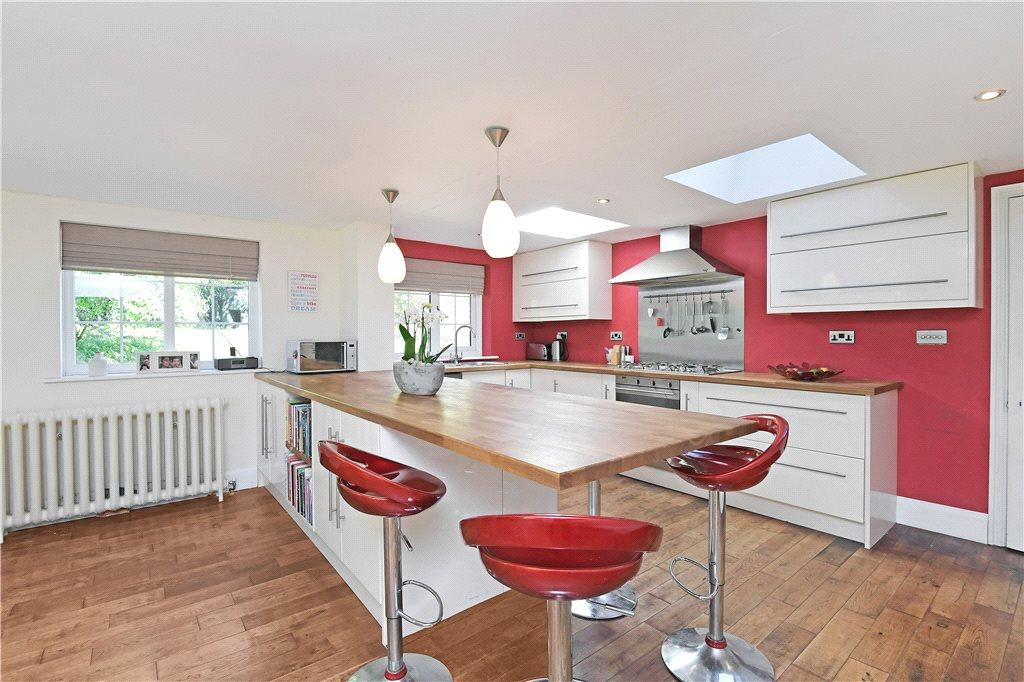 5 Bedrooms Detached House for sale in West Tanfield, Ripon, North Yorkshire