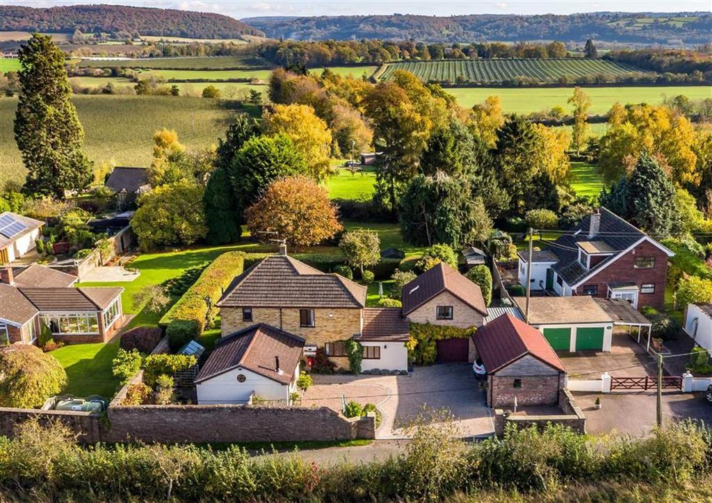 4 Bedrooms Detached House for sale in Glewstone, Glewstone Ross-On-Wye, Herefordshire