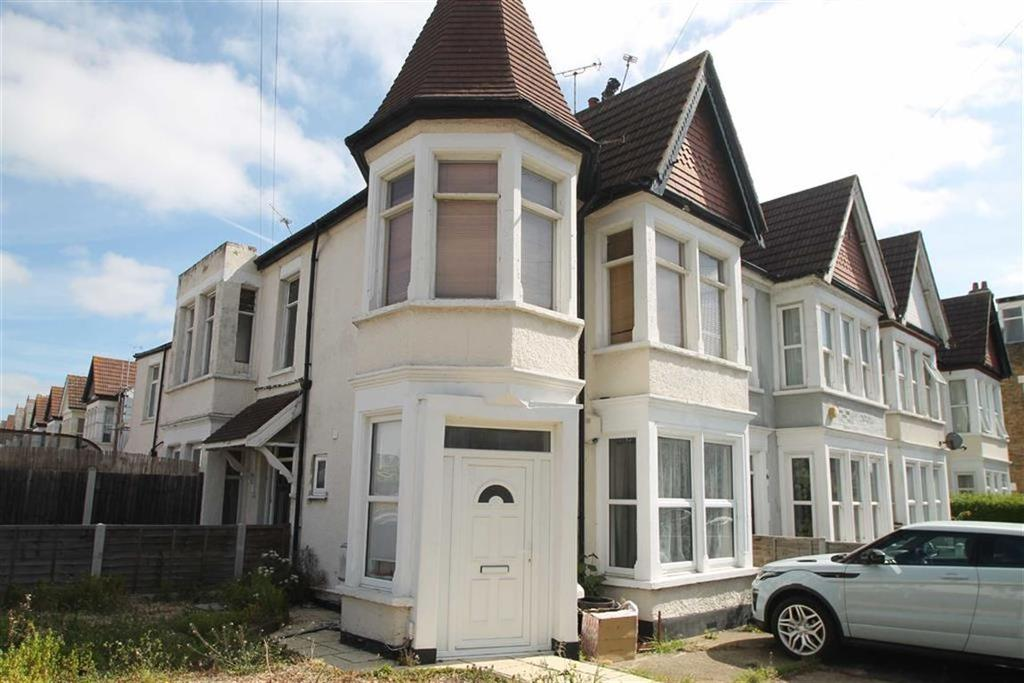 2 Bedrooms Apartment Flat for sale in Anerley Road, Westcliff On Sea, Essex