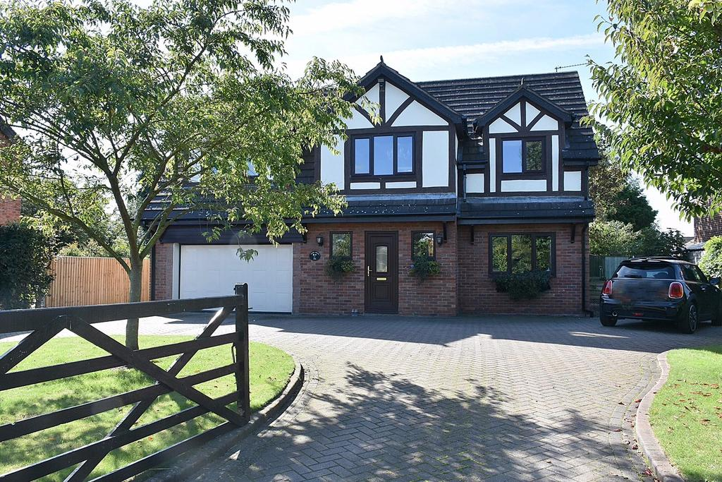 4 Bedrooms Detached House for sale in Croxton Lane, Middlewich