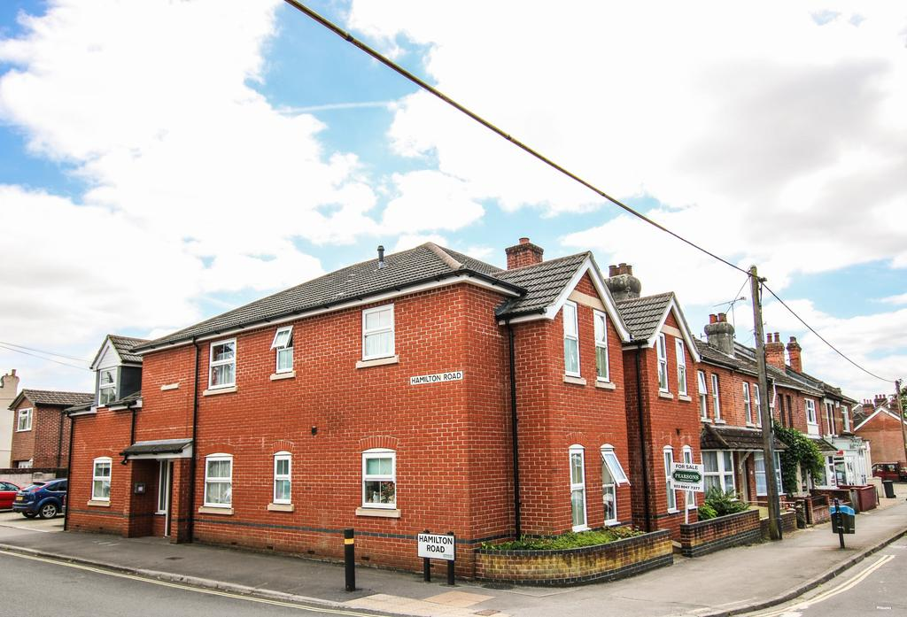 1 Bedroom Ground Flat for sale in Bishopstoke, Eastleigh
