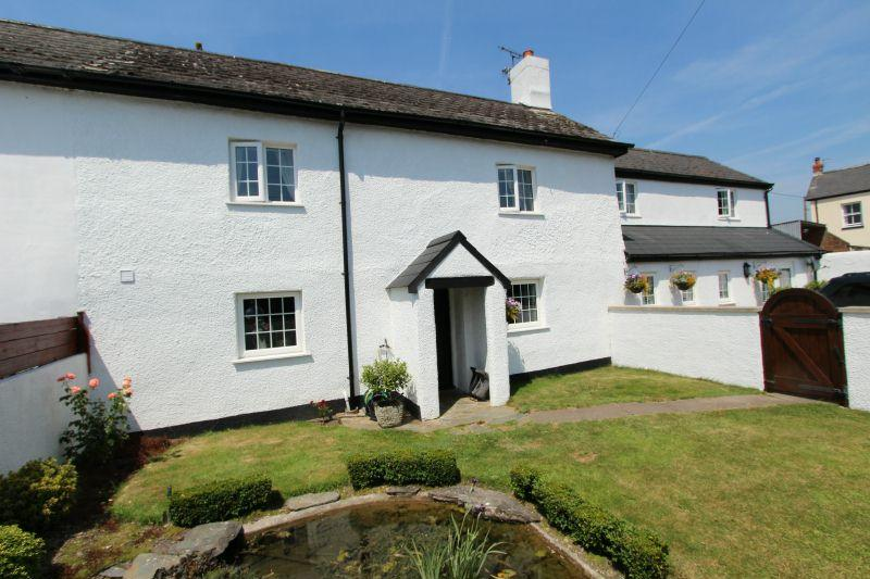 4 Bedrooms End Of Terrace House for sale in FENNY BRIDGES