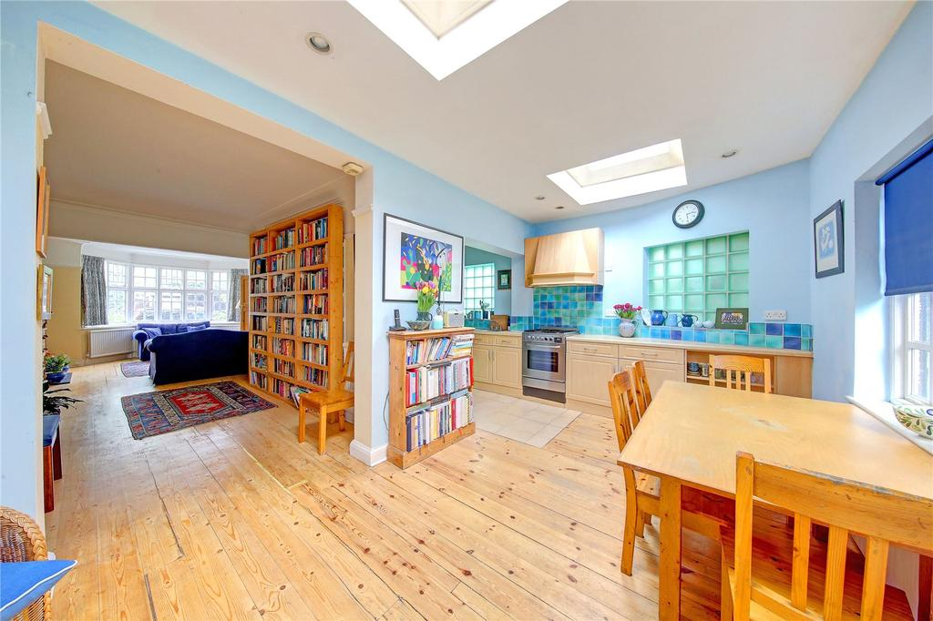 4 Bedrooms End Of Terrace House for sale in Shrewsbury Avenue, London, SW14