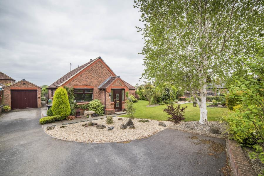 2 Bedrooms Bungalow for sale in STATION CLOSE, RIPON, HG4 1JF