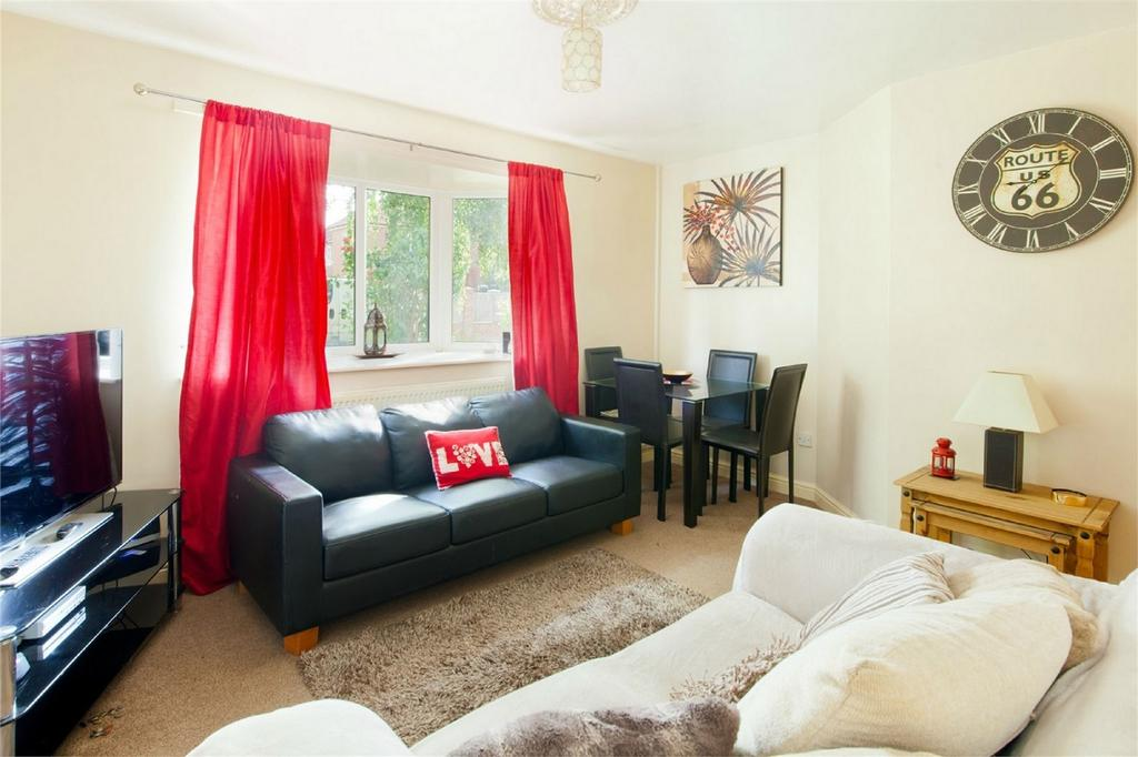 2 Bedrooms End Of Terrace House for sale in 1 The Lilacs, Pocklington, York