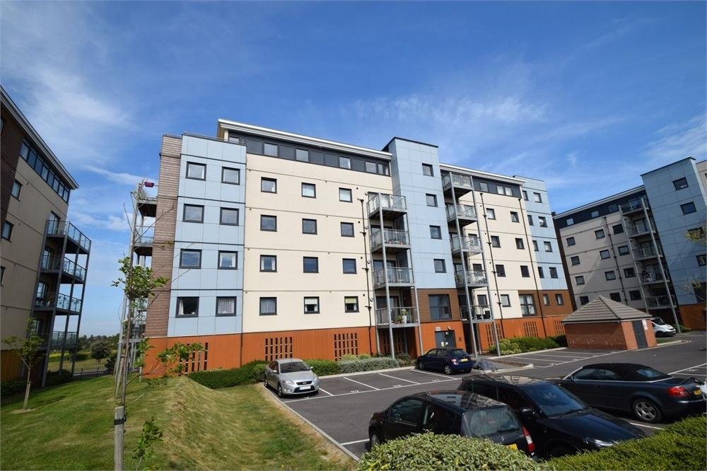 2 Bedrooms Flat for sale in Groombridge Avenue, Princes Park, East Sussex