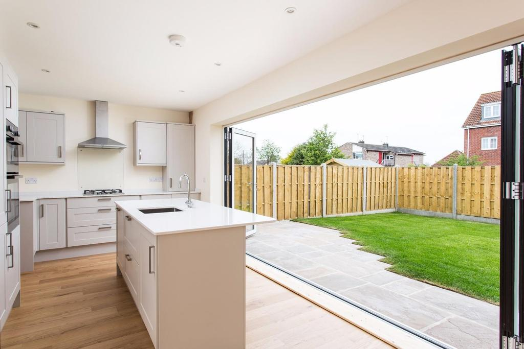 3 Bedrooms Detached House for sale in Thanet Road, Dringhouses, York