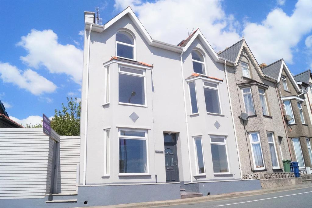 4 Bedrooms End Of Terrace House for sale in Bay View Terrace, Pwllheli