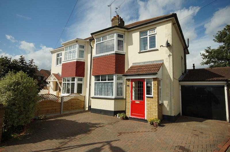 3 Bedrooms Semi Detached House for sale in Leighcroft Gardens, Leigh-On-Sea