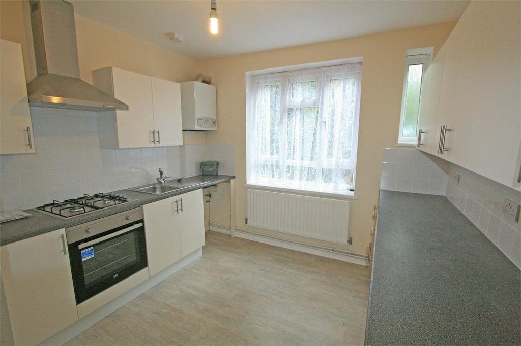 3 Bedrooms Flat for sale in Tylney Road, Bromley, Kent