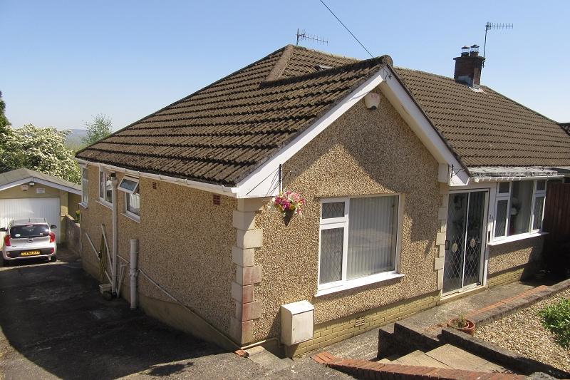 3 Bedrooms Semi Detached Bungalow for sale in Park Close, Morriston, Swansea.