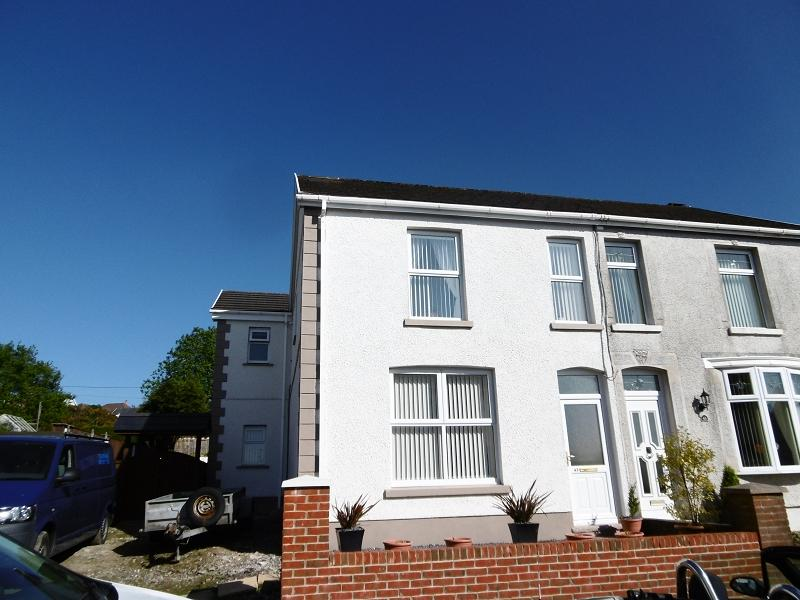 3 Bedrooms Semi Detached House for sale in Martyns Avenue, Seven Sisters, Neath, Neath Port Talbot.