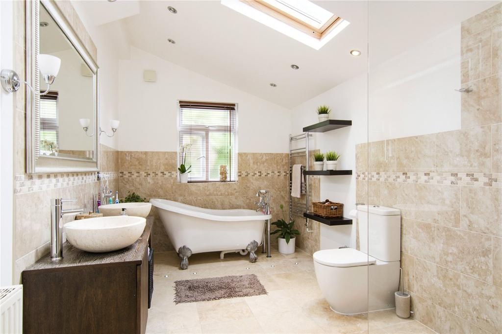 3 Bedrooms Terraced House for sale in Thorpe Road, London, E7