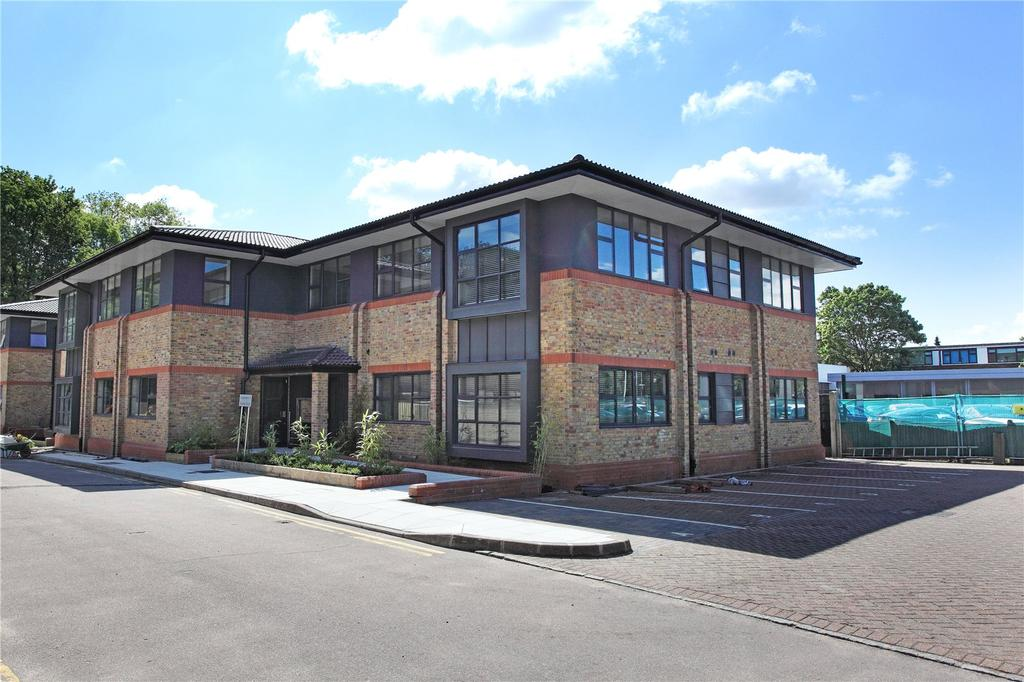 2 Bedrooms Flat for sale in Merlin Court, London Road, Riverhead, Sevenoaks, TN13