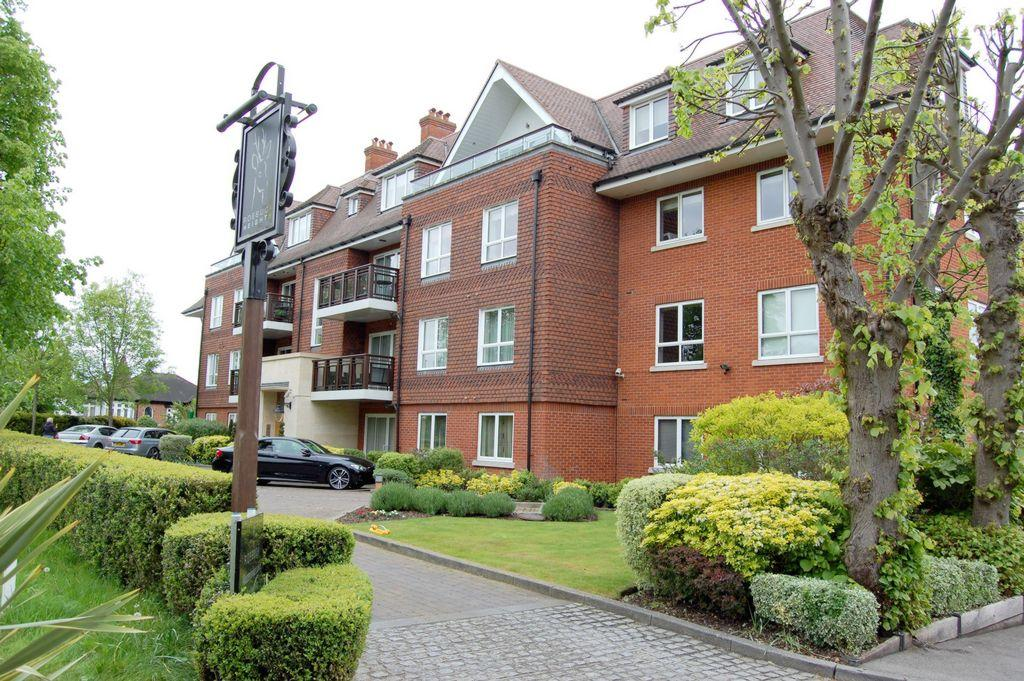 2 Bedrooms Apartment Flat for sale in North End, Buckhurst Hill, IG9