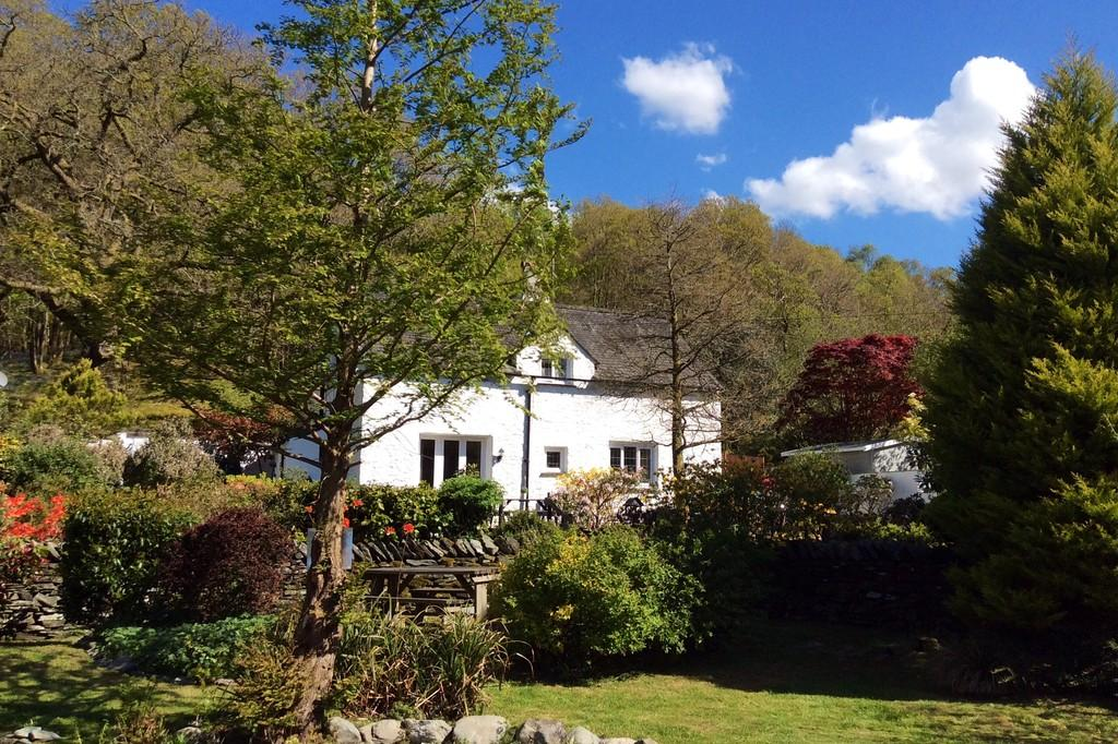 3 Bedrooms Detached House for sale in Halfway House, Clappersgate, Ambleside, LA22 9NQ