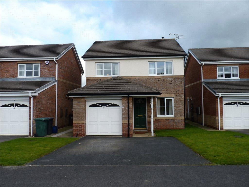 3 Bedrooms Detached House for sale in Heron Close, Steeton, Keighley, West Yorkshire