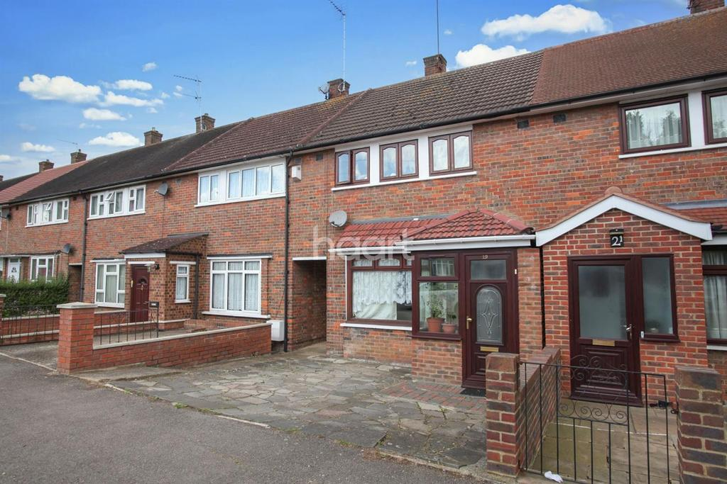 3 Bedrooms Terraced House for sale in Aycliffe Road, Borehamwood