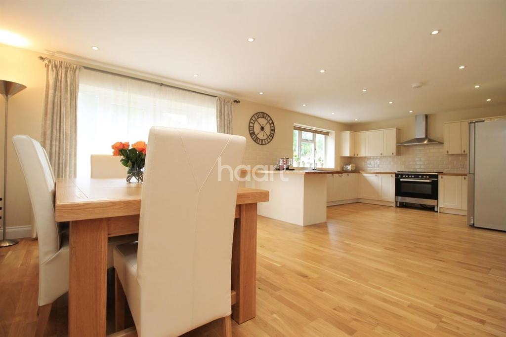6 Bedrooms Detached House for sale in Main Road, Orpington