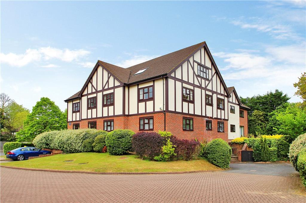 2 Bedrooms Flat for sale in Henley Court, White Lodge Close, Sevenoaks, Kent, TN13
