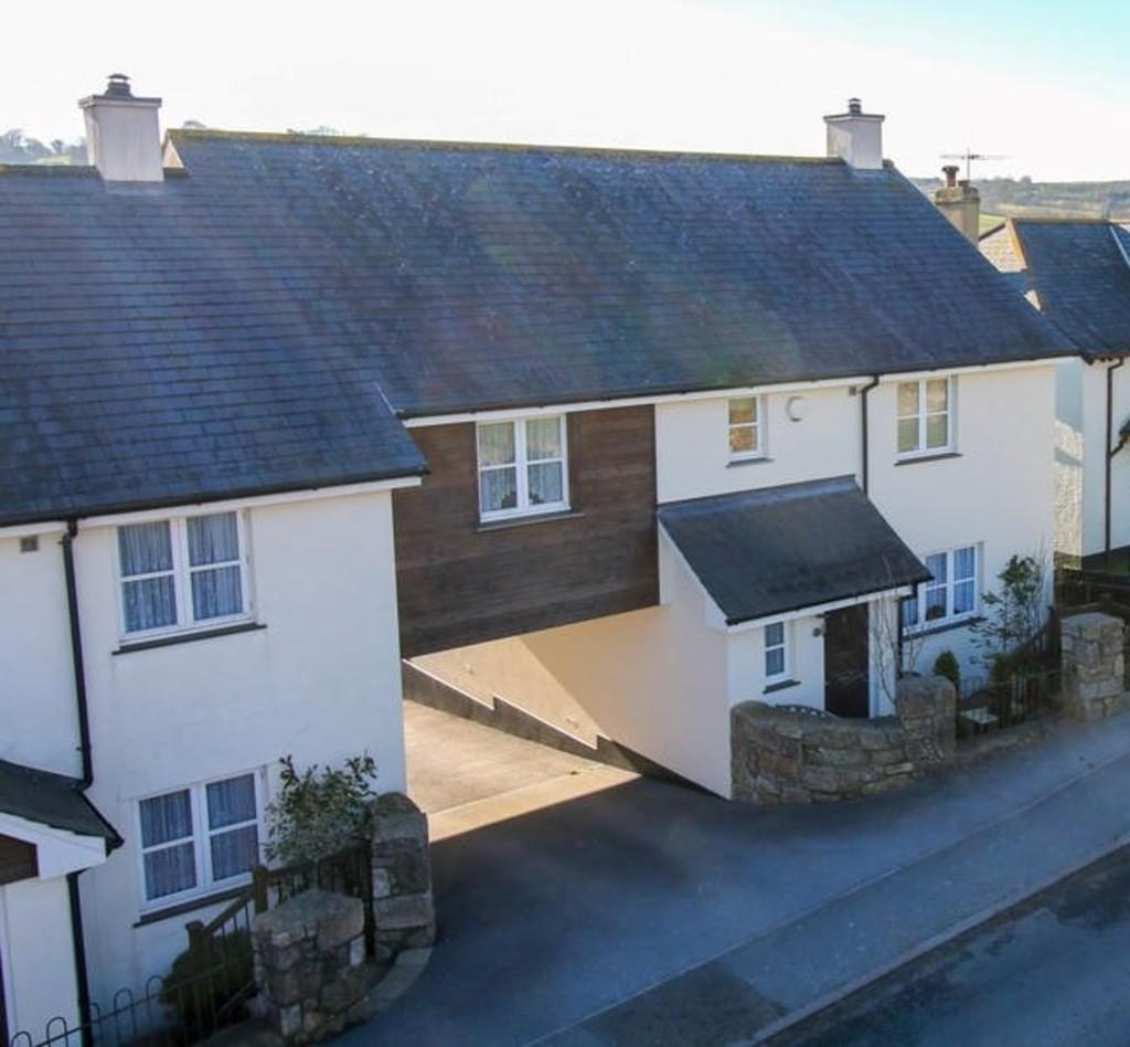 4 Bedrooms End Of Terrace House for sale in Moretonhampstead