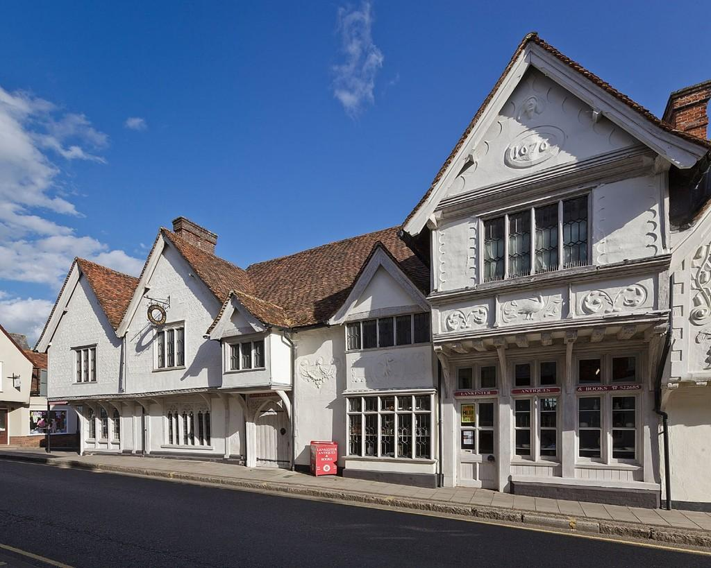 3 Bedrooms Town House for sale in 29 Church Street, Church Street, Saffron Walden, Essex, CB10 1JW