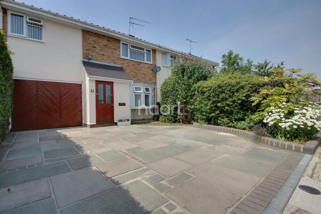 4 Bedrooms Terraced House for sale in Willow Rise, Witham, CM8