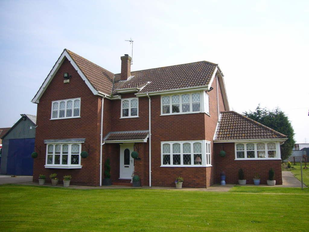 4 Bedrooms Detached House for sale in The Paddock, North Street, Barmby On The Marsh, DN14 7HL