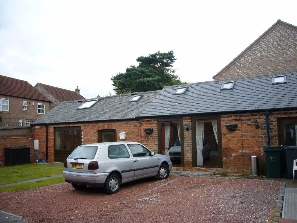 2 Bedrooms Detached House for rent in Garden Cottage, Main Street, North Duffield, YO8 5RG