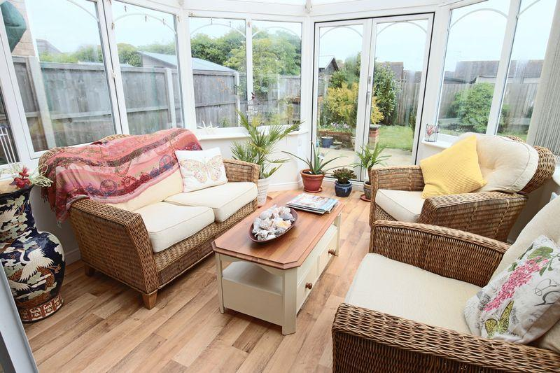 4 Bedrooms Detached House for sale in Chislehurst Road, Carlton Colville, Lowestoft