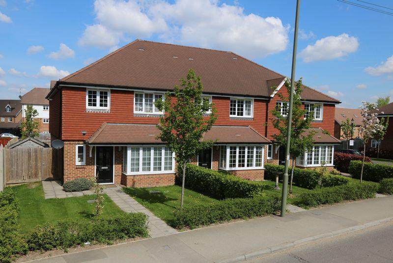 3 Bedrooms End Of Terrace House for sale in Godalming