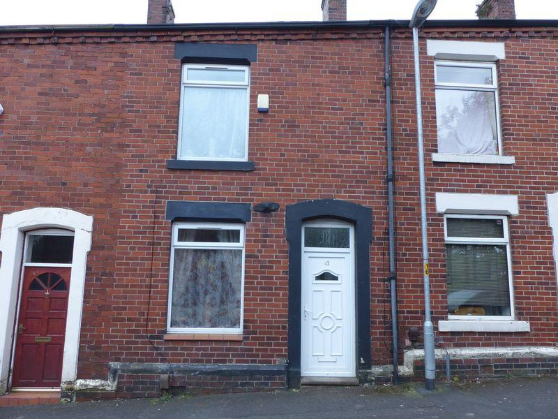 2 Bedrooms Terraced House for sale in Salts Street, Shaw