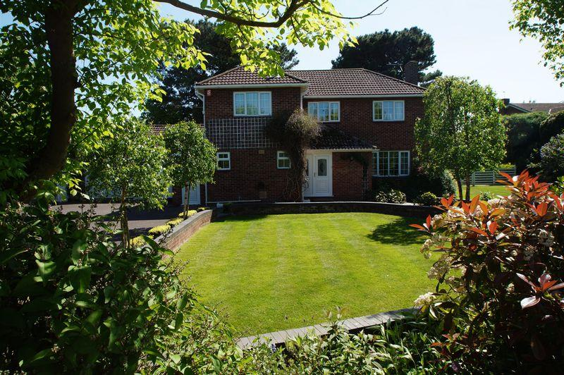 4 Bedrooms Detached House for sale in 24 Rectory Road, Burnham-On-Sea