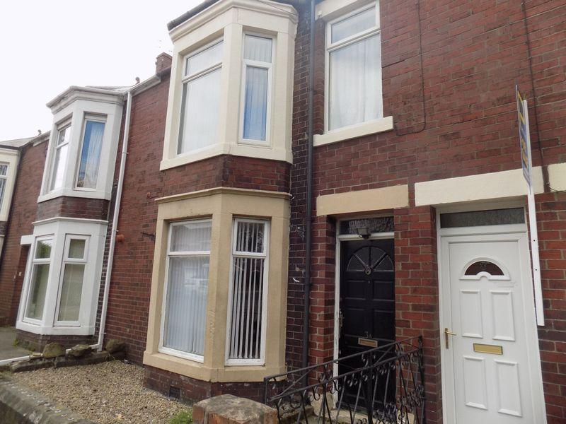 2 Bedrooms Flat for sale in Millbank Crescent, Bedlington