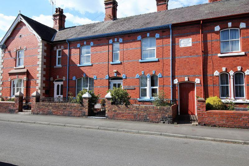 3 Bedrooms Terraced House for sale in 3 Limes Crescent, Brownlow Road, Ellesmere