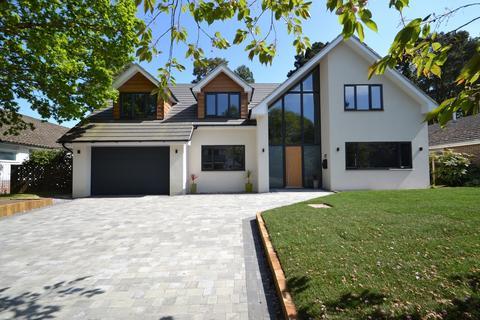 5 bedroom detached house for sale - Broadstone