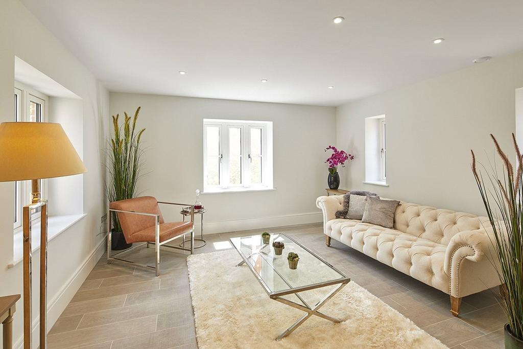4 Bedrooms Detached House for sale in 3 Townwell Green, Cromhall, Wotton-under-Edge, Gloucestershire, GL12