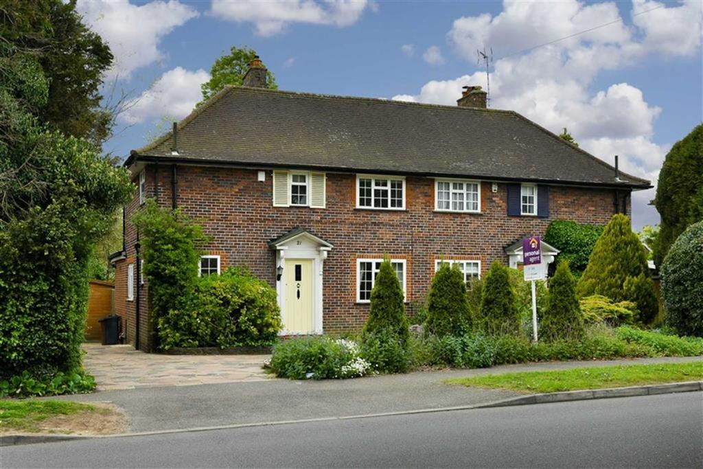3 Bedrooms Semi Detached House for sale in Tattenham Way, Tadworth, Surrey