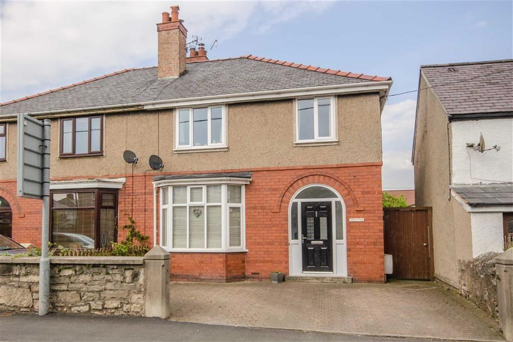 4 Bedrooms Semi Detached House for sale in Borthyn, Ruthin