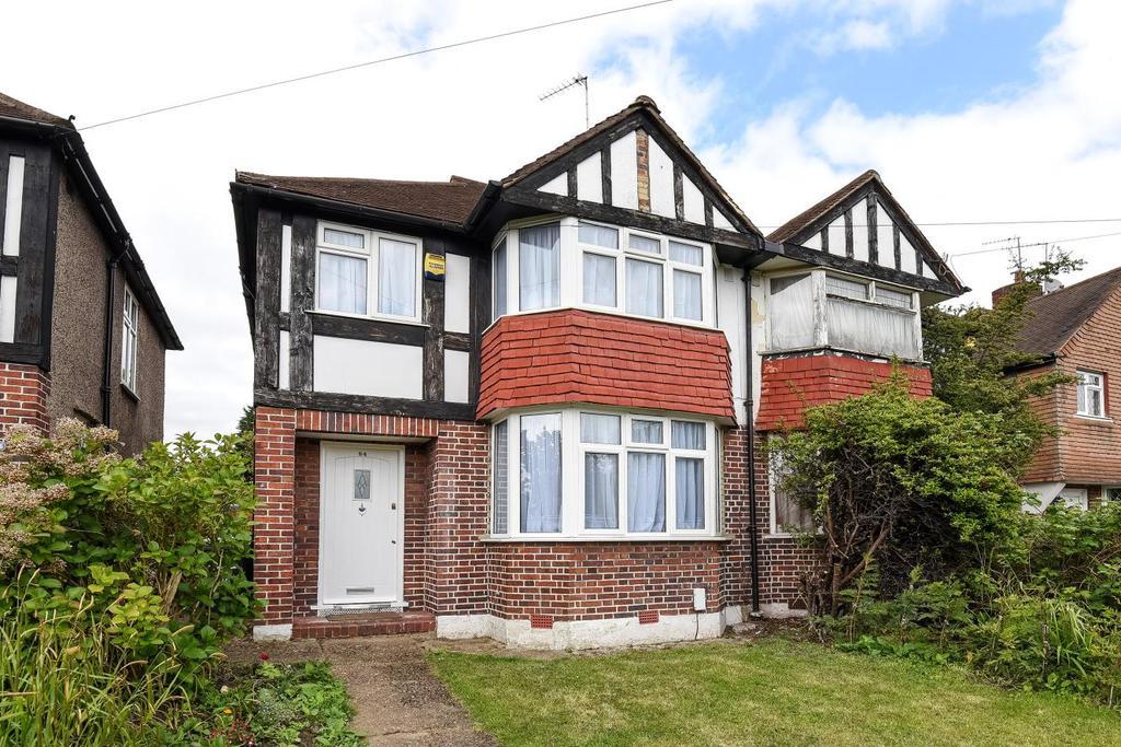 3 Bedrooms Semi Detached House for sale in Jevington Way, Lee, SE12