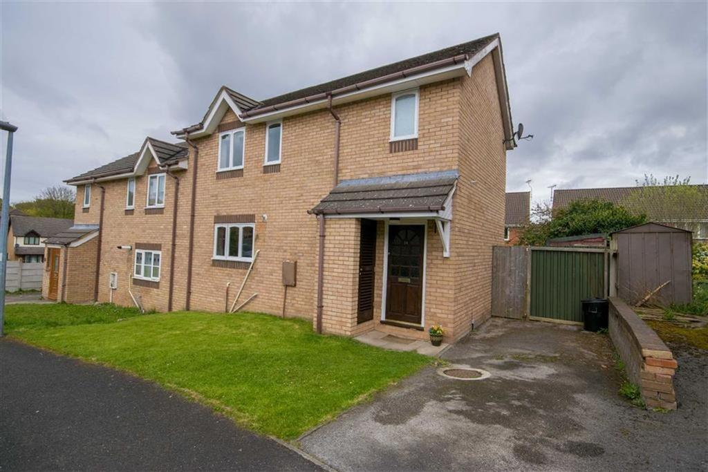 3 Bedrooms Semi Detached House for sale in Hazel Court, Flint