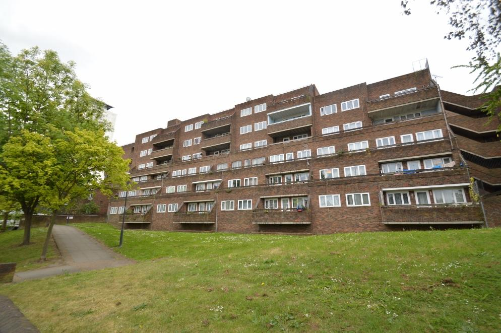 1 Bedroom Flat for sale in Mabbett House, Nightingale Place, Woolwich SE18