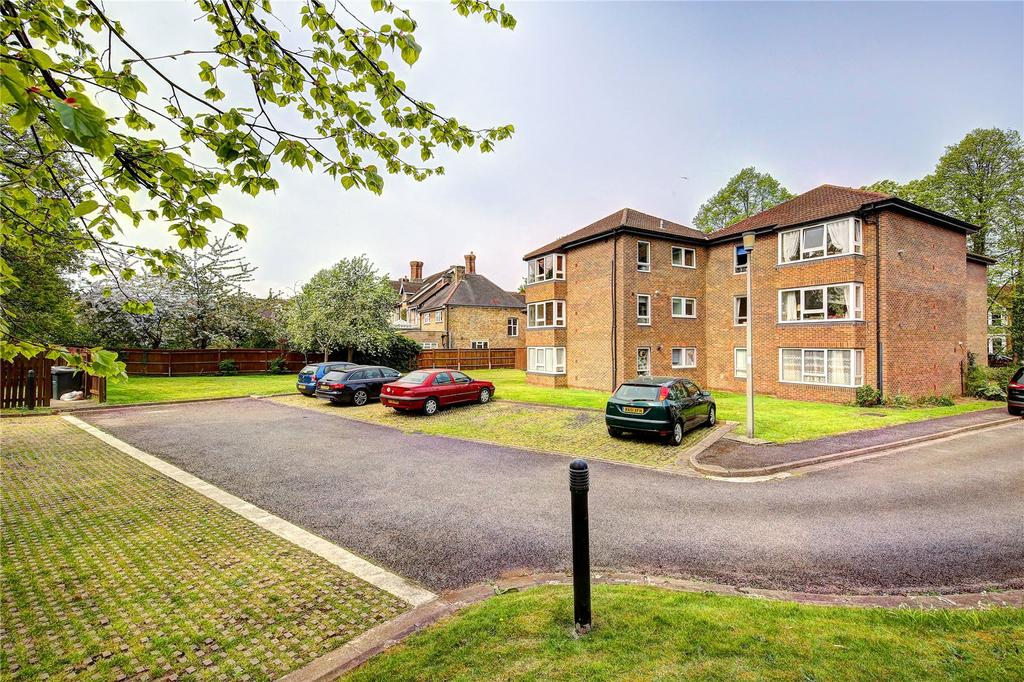 2 Bedrooms Flat for sale in Hall Court, 30 Teddington Park, TW11