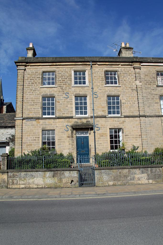 4 Bedrooms House for sale in 1 Rutland Terrace, Buxton Road, Bakewell, Derbyshire, DE45