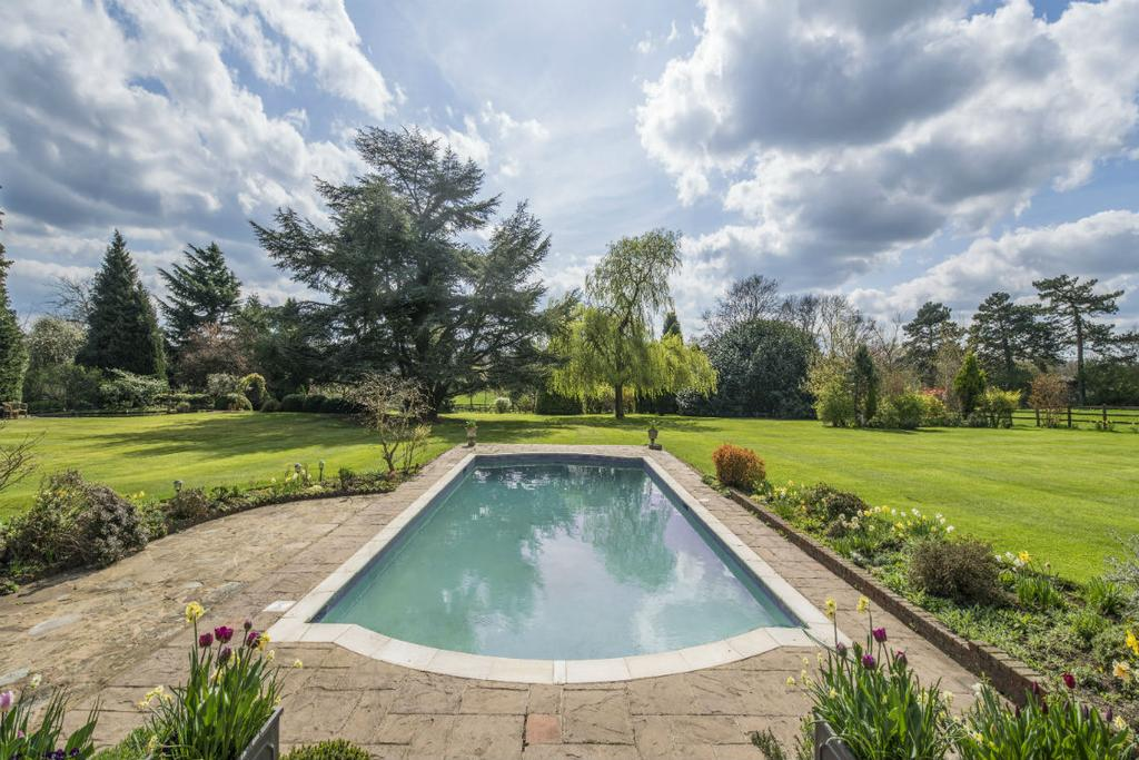 7 Bedrooms Detached House for sale in Pednor, Chesham HP5