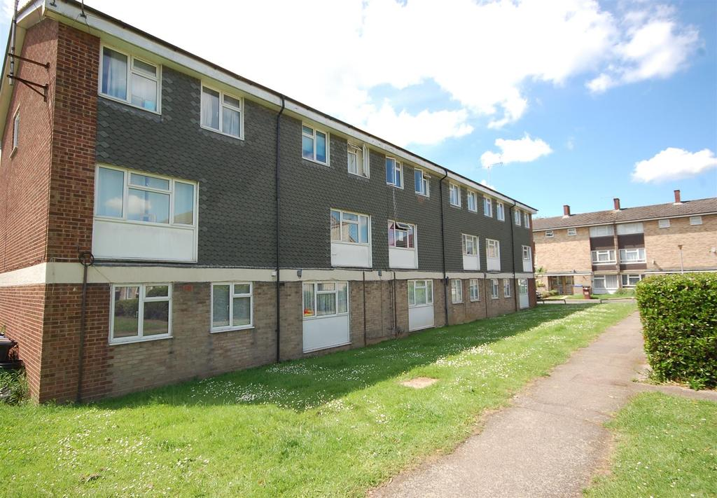 2 Bedrooms Apartment Flat for sale in Wood Common, Hatfield