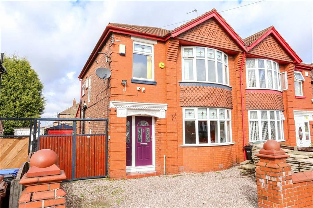 3 Bedrooms Semi Detached House for sale in Roxton Road, Heaton Chapel