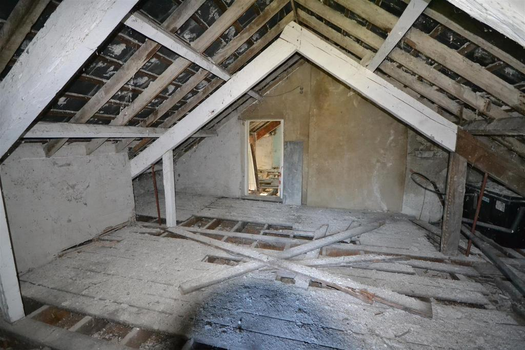 Cellan 5 bed property for sale 150 000 for Houses for sale with attic room