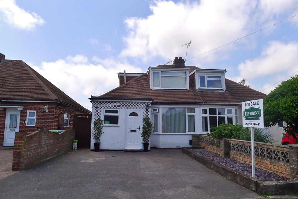 3 Bedrooms Semi Detached Bungalow for sale in PORTCHESTER